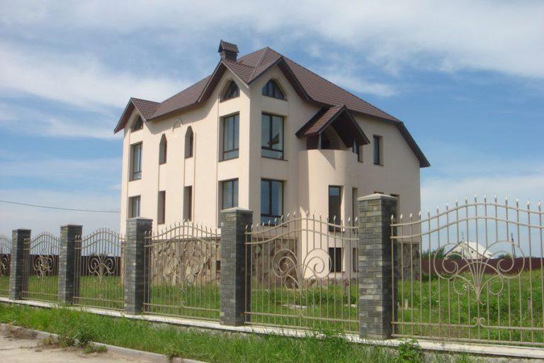 Продаётся дом 528 кв.м. - с. Креничи, Обуховский р-н (02)
