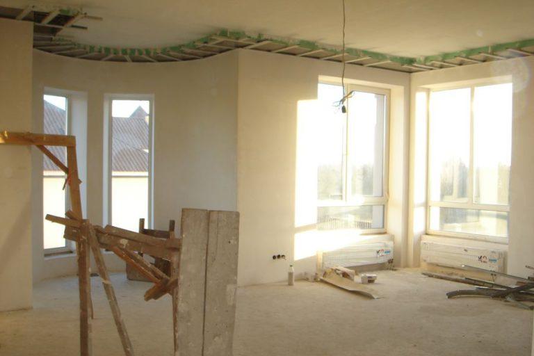 Продаётся дом 528 кв.м. - с. Креничи, Обуховский р-н (08)