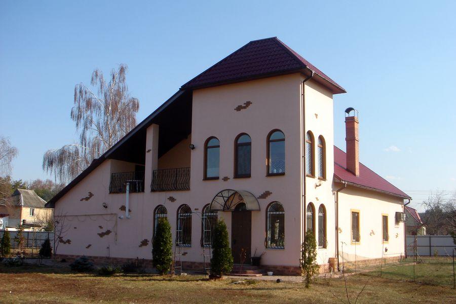 Дом 300 кв.м., со своим озером – с. Подгорцы, Обуховский р-н – 280000 $