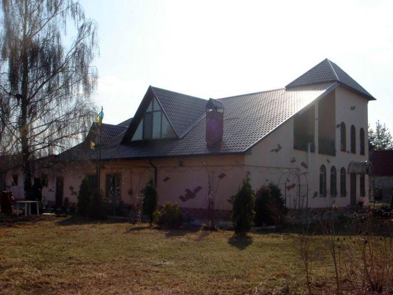 Продаётся дом 300 кв.м. - с. Подгорцы, Обуховский р-н (04)