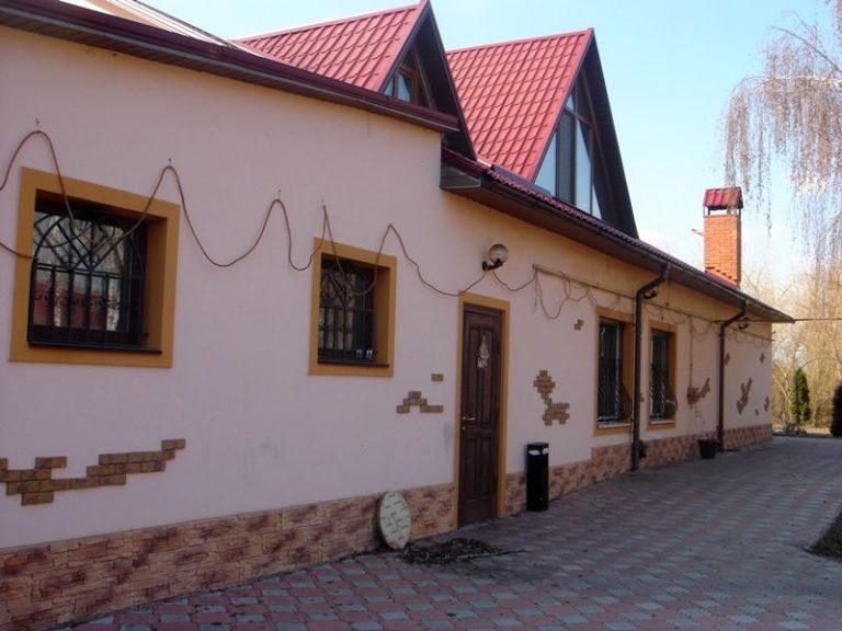 Продаётся дом 300 кв.м. - с. Подгорцы, Обуховский р-н (05)