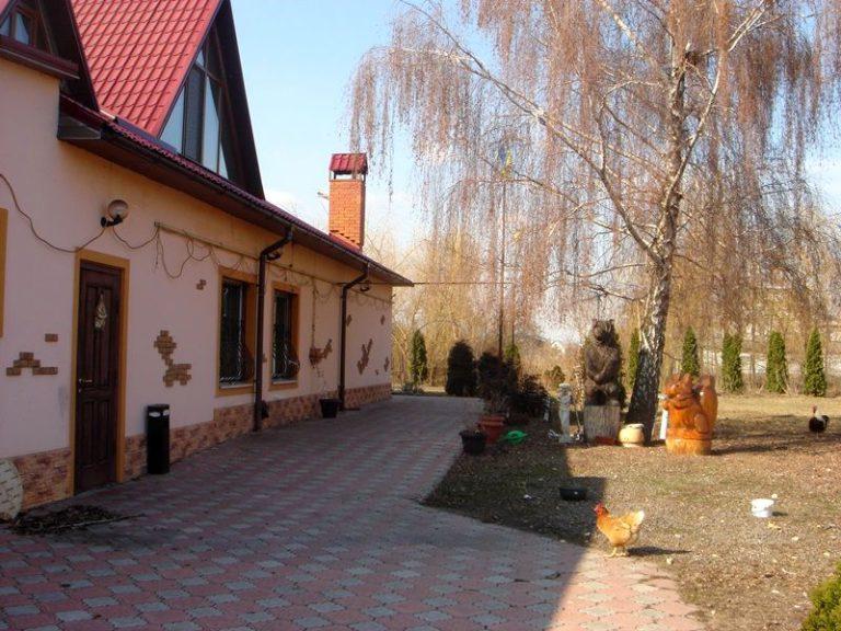 Продаётся дом 300 кв.м. - с. Подгорцы, Обуховский р-н (06)