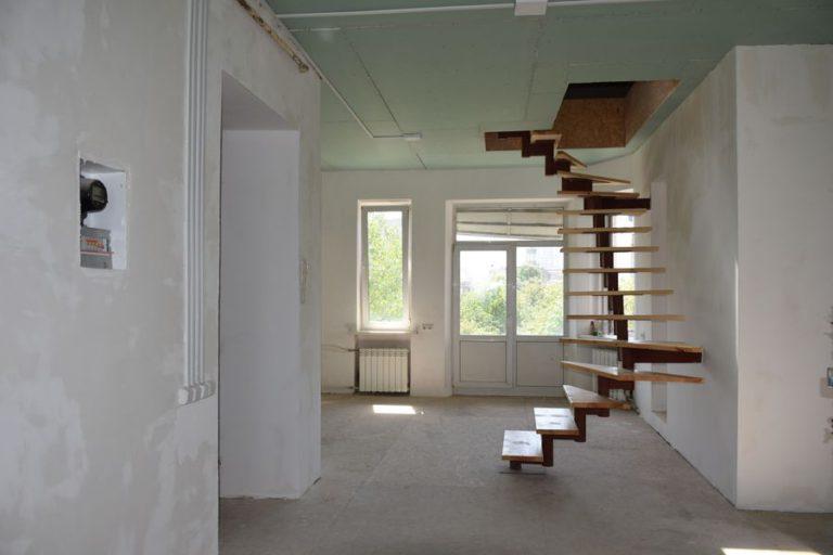 Продаётся квартира двухуровневая - Киев, ул. Мазепы, 3 (06)