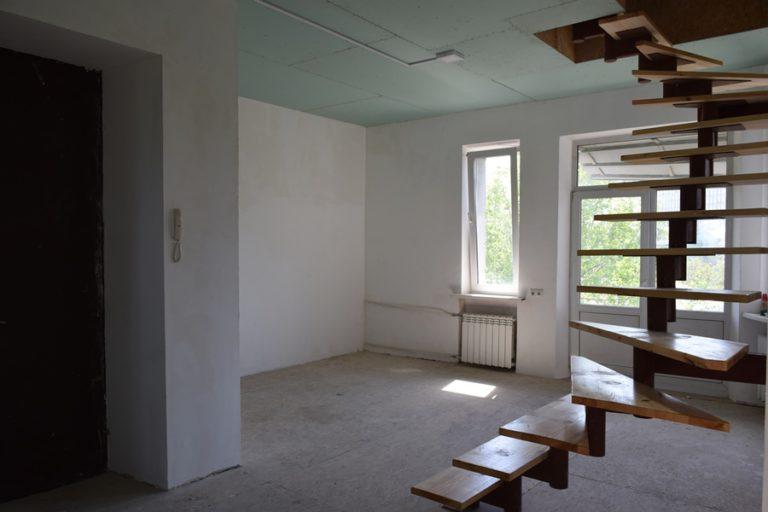 Продаётся квартира двухуровневая - Киев, ул. Мазепы, 3 (07)