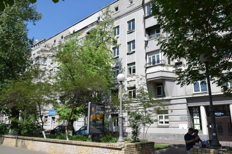 Продаётся квартира двухуровневая - Киев, ул. Мазепы, 3 (12))