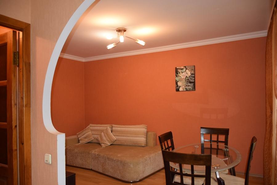Двухкомнатная квартира – ул. Добрый Путь, 5 – 10000 грн/месяц