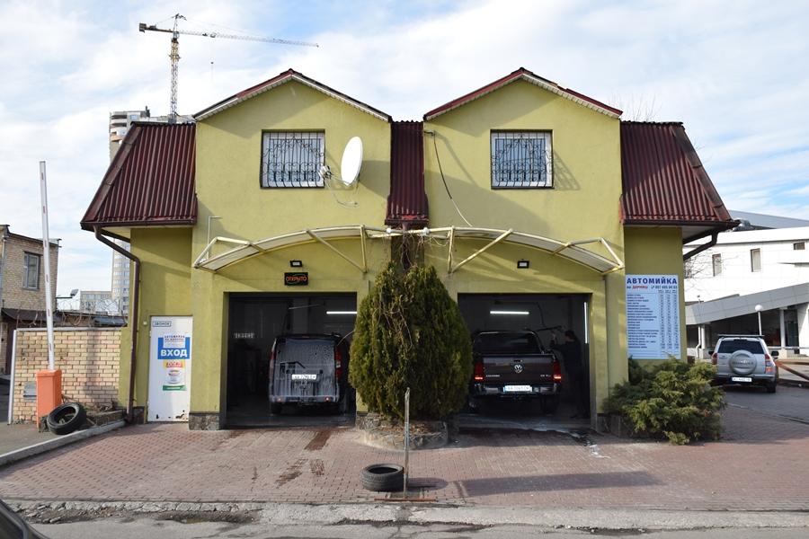 Автомойка 162 кв.м. – ул. Попудренко, 1 – 175000 $